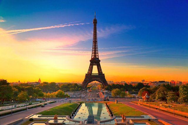 Top 10 free travel website templates